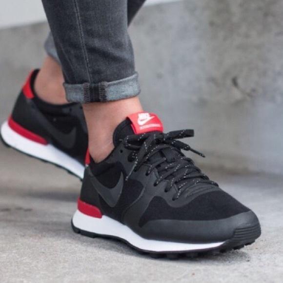 Reportero Hacer bien instalaciones  Nike Shoes | Internationalist Redblack Womens Sneakers | Poshmark